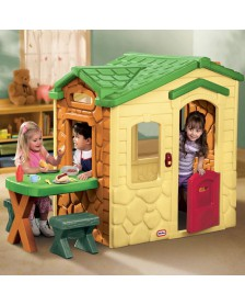 Casita Infantil Little tikes picnic en el patio